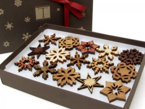 Timber Green Woods snowflake ornaments