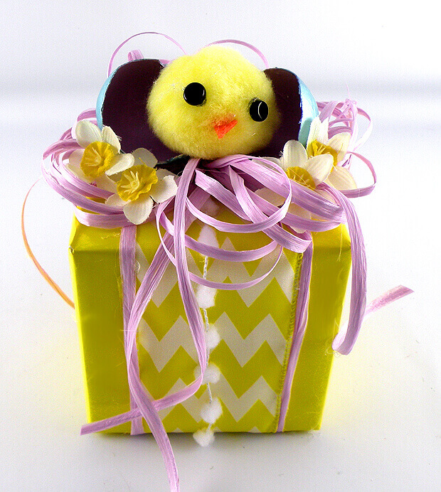 Gina Tepper - Easter Chicks Gift Wrapping 15
