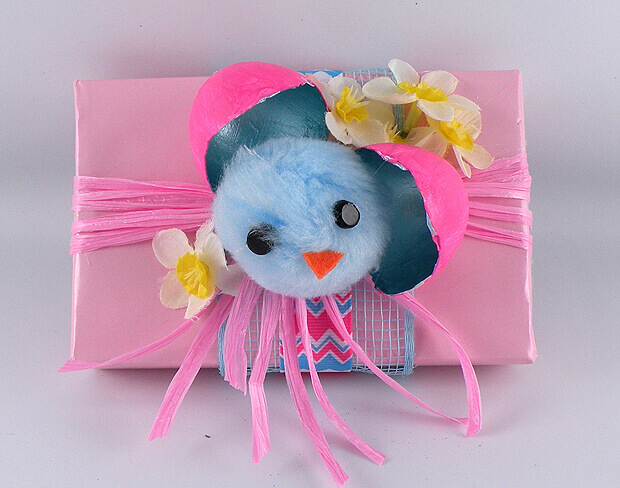 Gina Tepper - Easter Chicks Gift Wrapping 9