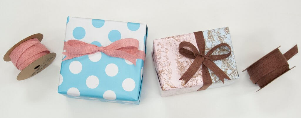 Create this easy duo gift wrap look