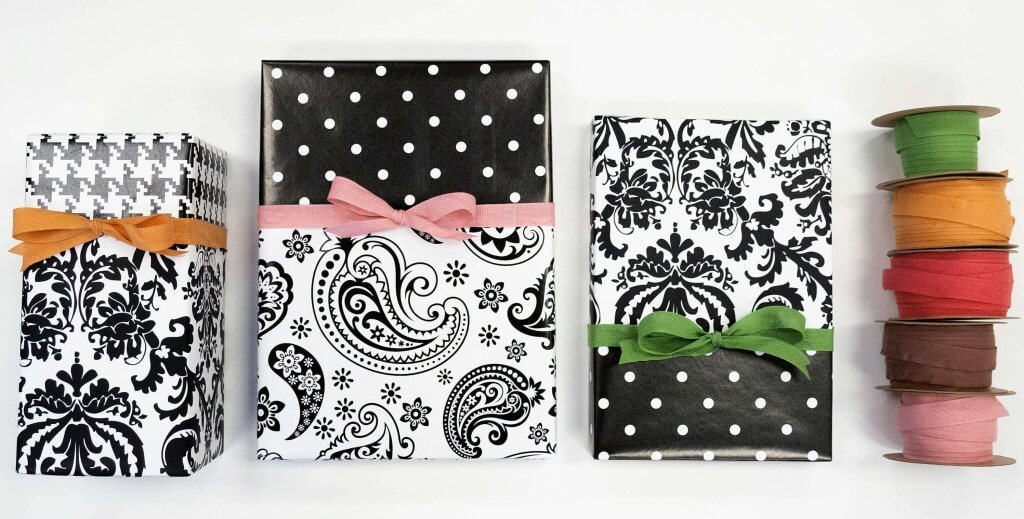 Create this easy dual gift wrap look! Here's how!