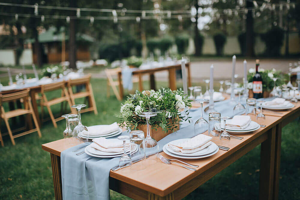 Rustic wedding table with blue